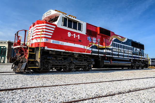 "Norfolk Southern's ""Honoring First Responders"" No. 911 locomotive"