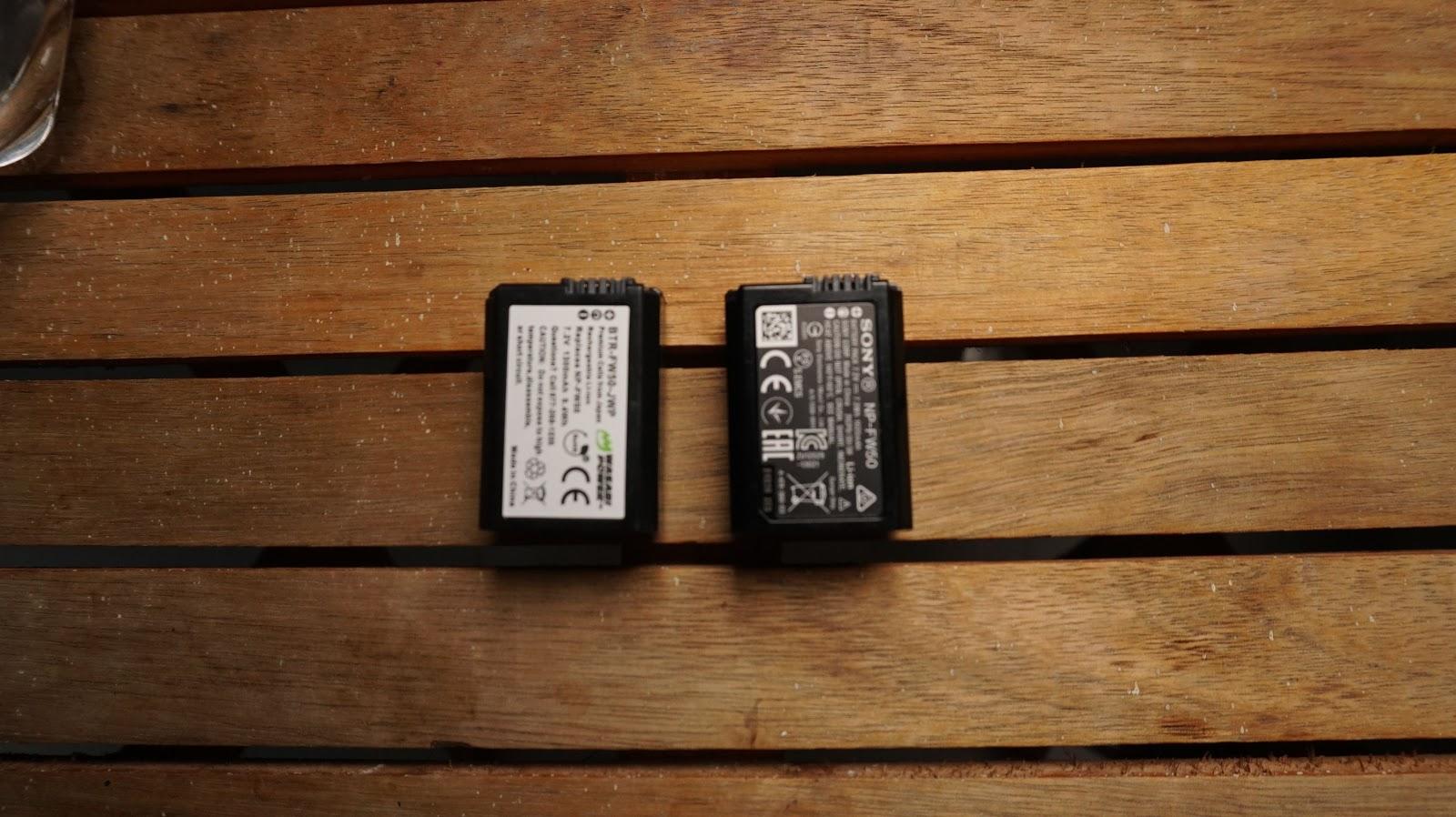 Không có khác biệt giữa Pin chính hãng Sony và Wasabi FW50