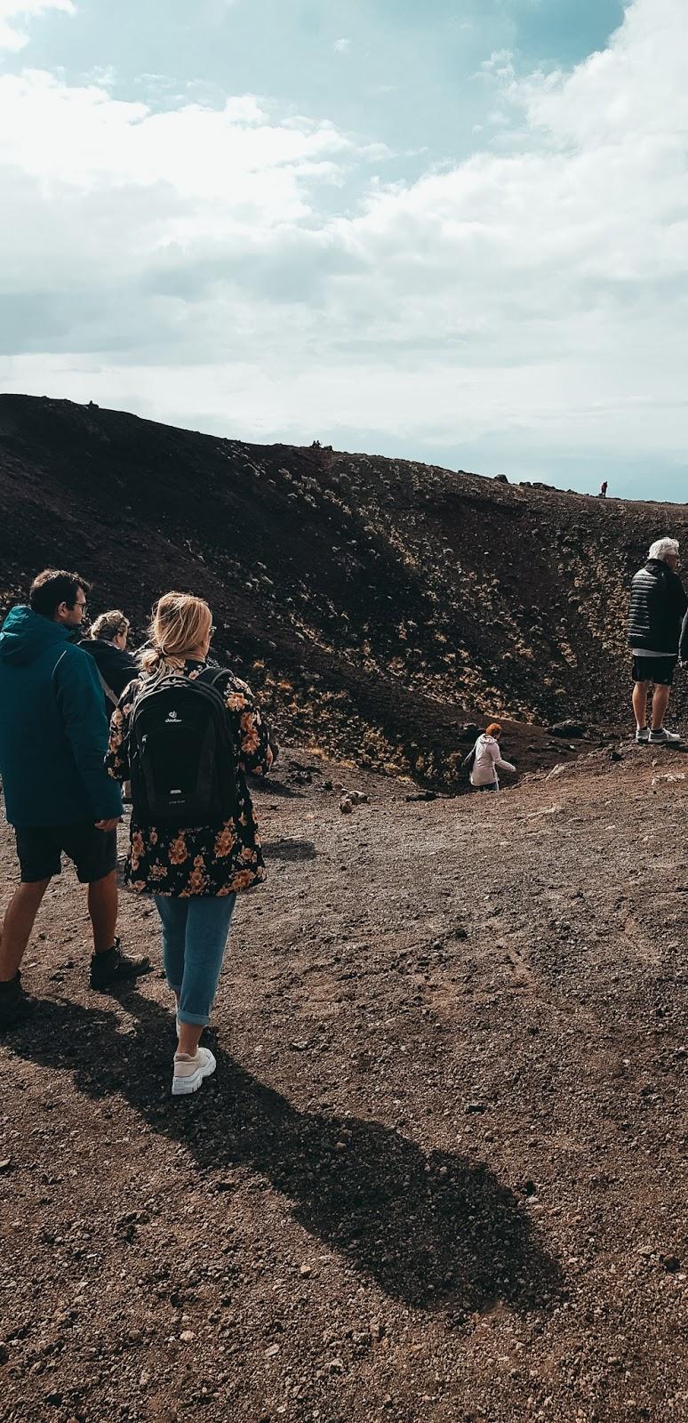Wulkan etna i kratery jak zwiedzić