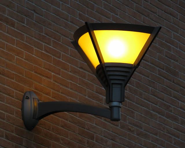 Street lamp, Via Coccioli, Livorno