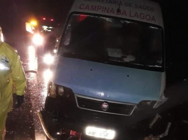 VAN da Saúde de Campina da Lagoa se envolve em acidente na BR-277