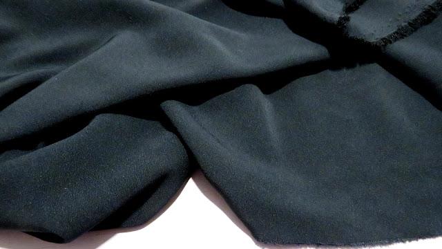 Tejido crepe negro
