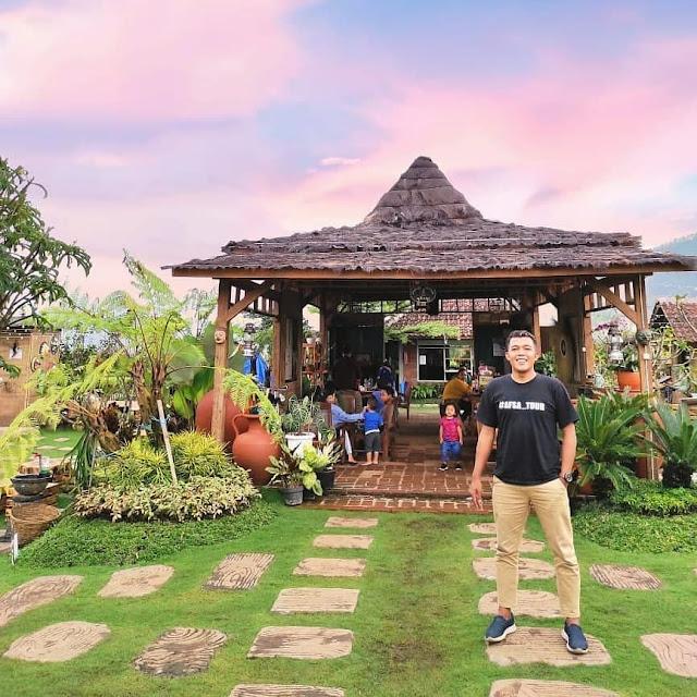 Cafe Hits di Batu Terbaru