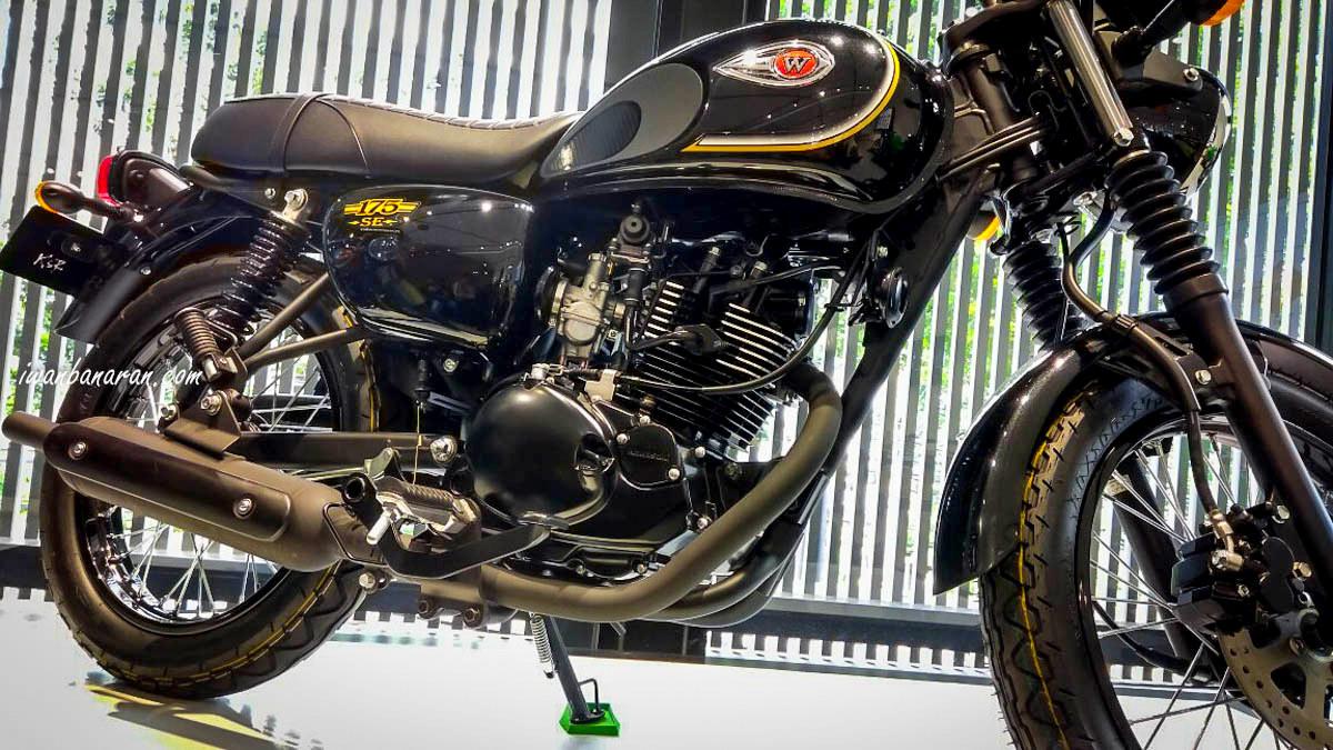 Belum di launching, sosok Kawasaki W175 sudah bocor lagi santai di salah satu dealer Kawasaki !