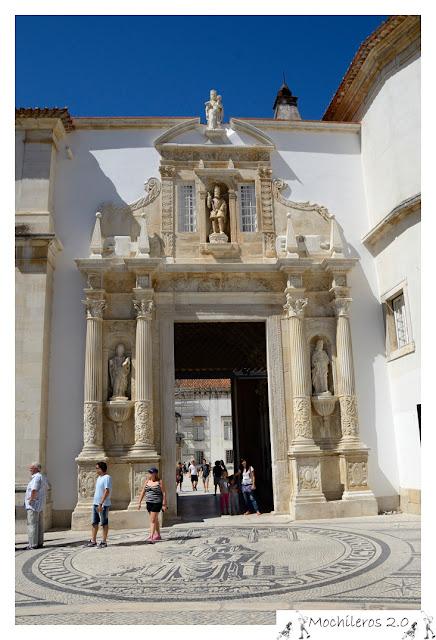 Puerta Férrea, acceso principal a la Universidad de Coimbra