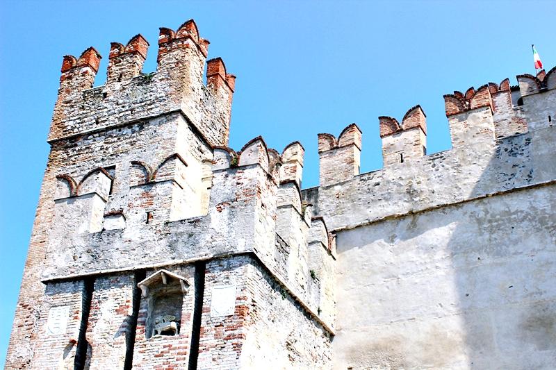 Scaliger tvrdjava u Italiji na jezeru Garda.
