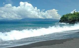 wisata terbaik di ternate Pantai Sulamadaha