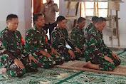 Tinjau Lokasi TMMD Ke-111, Danrem 141/Toddopuli Sholat Berjamaah Di Masjid Tola