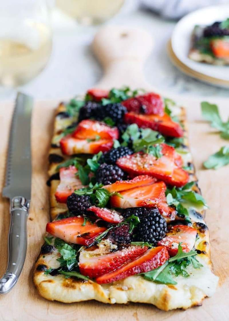 Easy Summer Appetizers - Berry Grilled Pizza