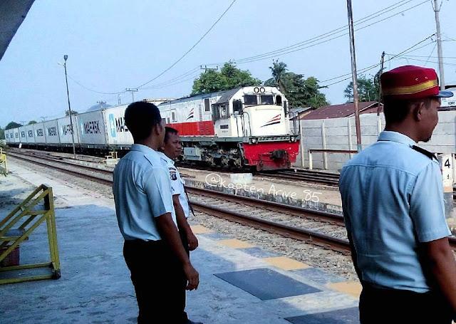 kereta api kontainer jurusan Pematang Siantar - Belawan