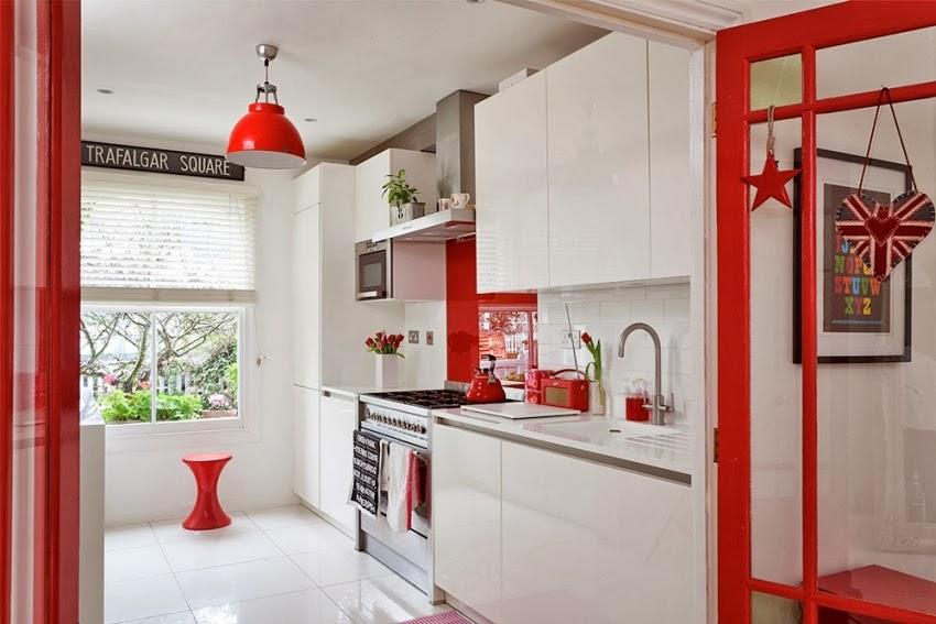Wesołe mieszkanie w stylu skandynawskim, wystrój wnętrz, wnętrza, urządzanie domu, dekoracje wnętrz, aranżacja wnętrz, inspiracje wnętrz,interior design , dom i wnętrze, aranżacja mieszkania, modne wnętrza, styl skandynawski, scandinavian style, styl nowoczesny, czerwone dodatki, kuchnia, biała kuchnia
