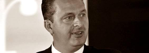 "Eduardo Campos: ""O presidente Lula merece, do Brasil, respeito"""