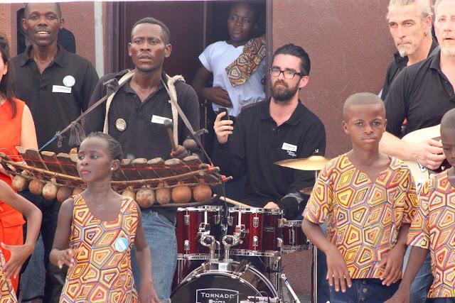 Koninklijk Vlaams Filharmonisch Orkest, Kinshasa, re-Mix, Filharmonie, Centre Saint-Joseph de Kermaria, Beta Mbonda