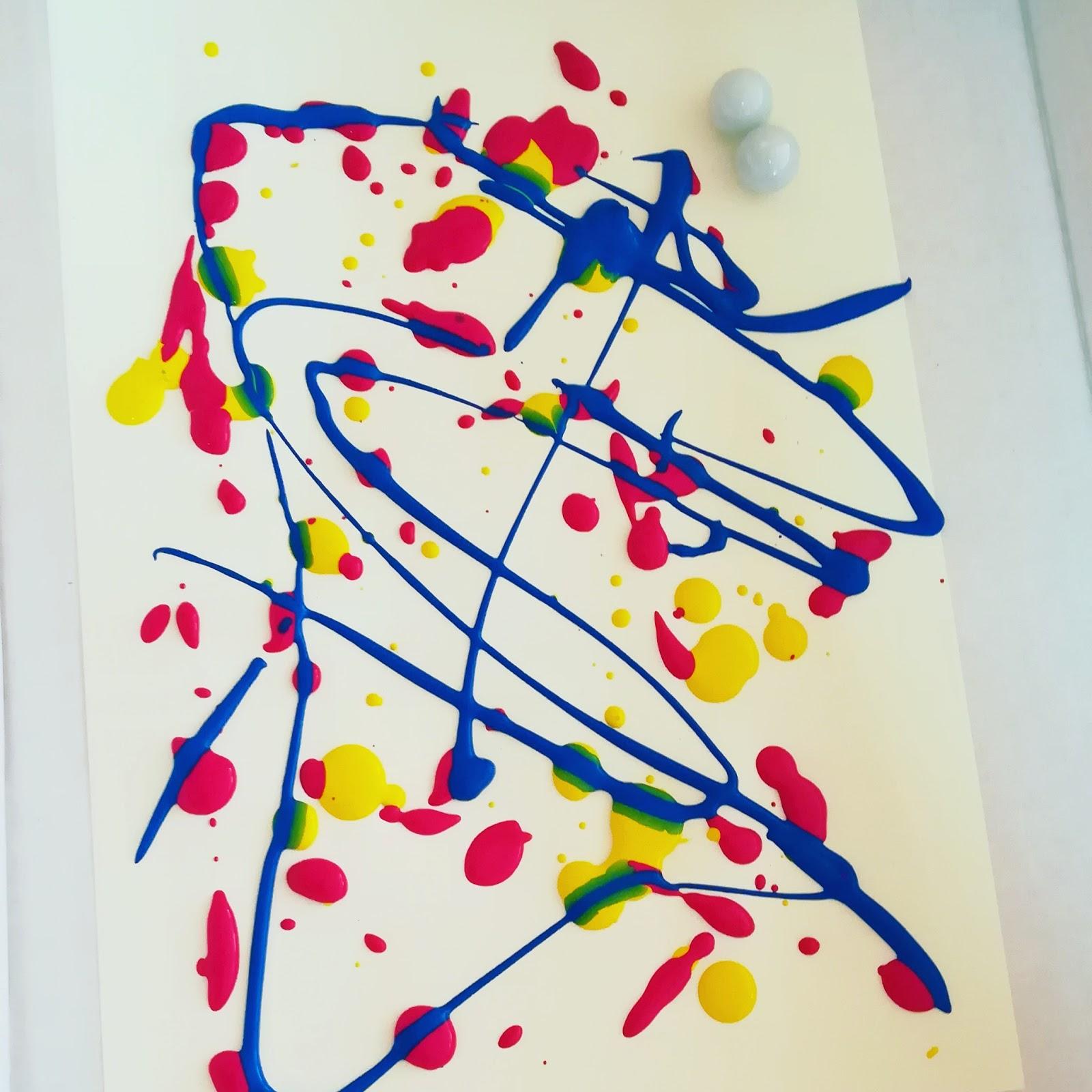 Come creare un quadro di arte astratta con i bambini for Pitture per camerette ragazzi