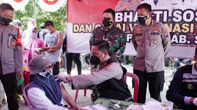 Kendarai Motor, Forkopimda Sidoarjo Pantau Vaksinasi Covid-19 di Dusun Kepetingan