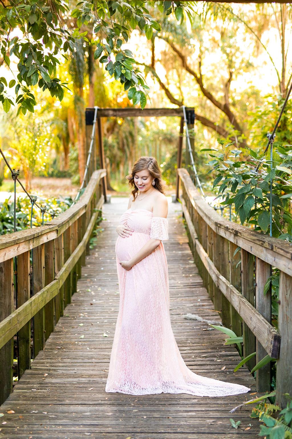 boho maternity photo