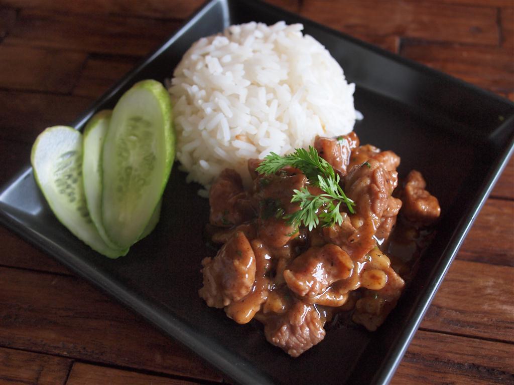 I Love Thai Recipes Pork With Garlic And Pepper Moo Pad Gratiem Prig Thai
