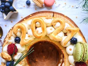 Gâteau de Nouvel An 2021 vanille fruits rouges