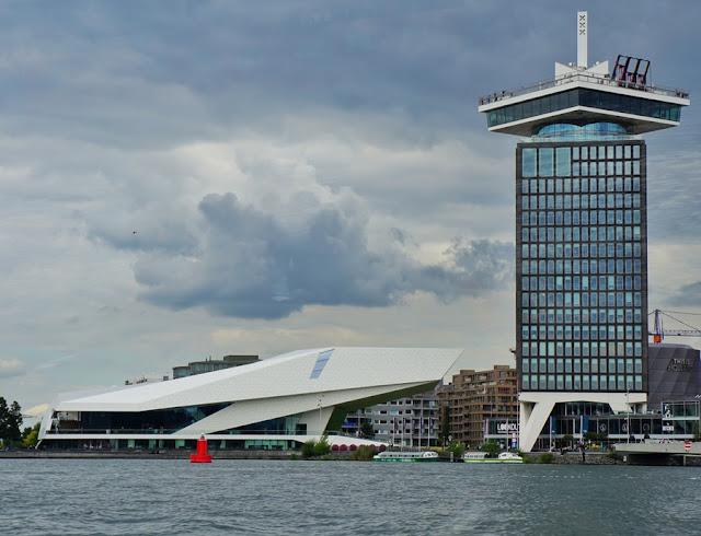 Eye Film Museum e observatório panorâmico A'dam Lookout em Amsterdam