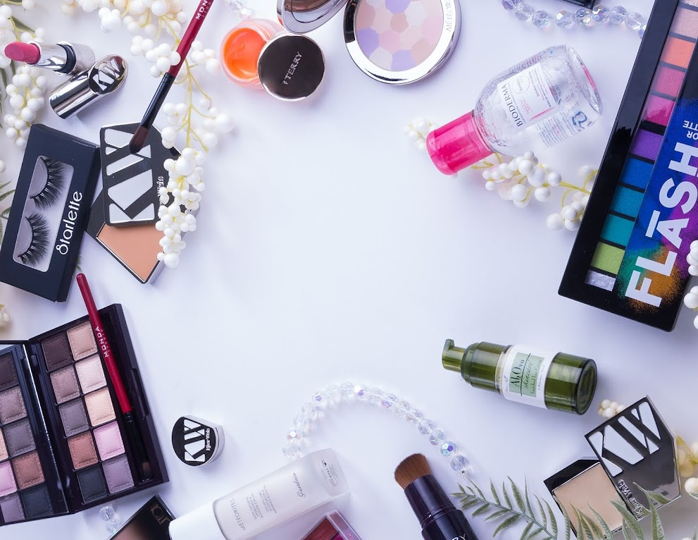How To Apply Makeup Step by Step - Guide For Beginners