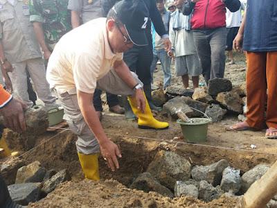 Zaiful Bokhari Bedah Rumah Warga Marga Jaya Metro Kibang