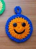 http://ortizadasenelcrochet.blogspot.com.es/2015/01/amigurumi-caritas-felices-y-premio.html