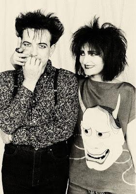Ο Ρόμπερτ Σμιθ των Cure και η Siouxsie Sioux