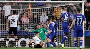 لقاء فالنسيا وتشيلسي المثير ينتهي بالتعادل الاجابي في الجولة الخامسه من دوري أبطال أوروبا