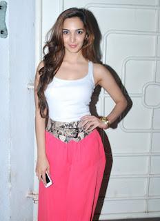 Kiara Advani Bollywood Actress Biography, Sexy HD Photos