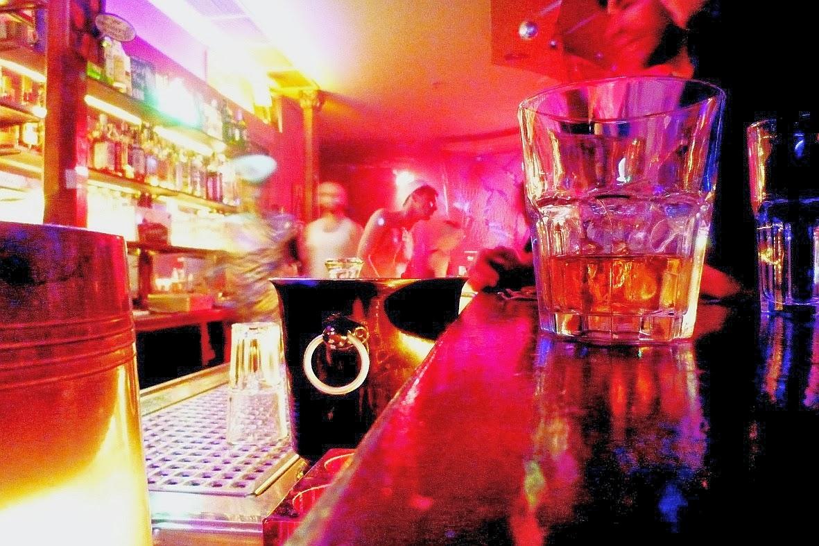 13 kneipen, die man im friedrichshain kennen muss – austrian-berlin