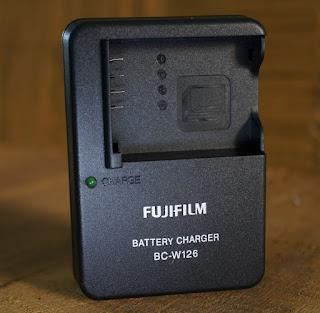 Charger Fujifilm BC-W126 untuk Fujifilm XA, XE, XM, XT, X-Pro,