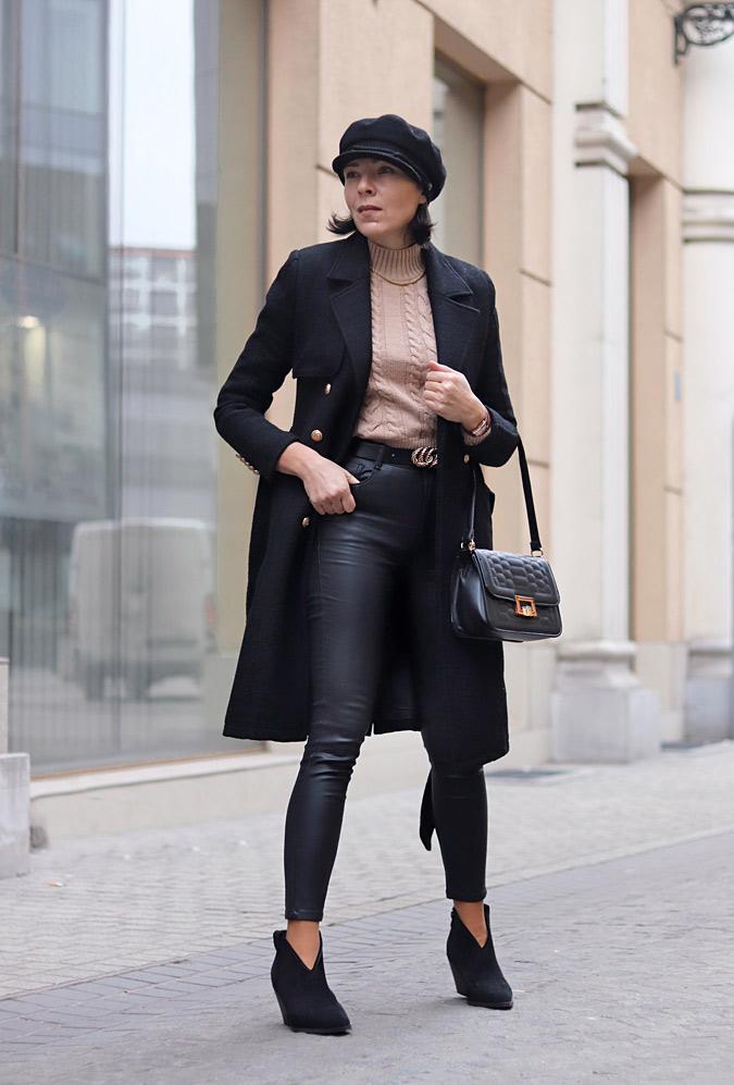 czarne woskowane spodnie stylizacje
