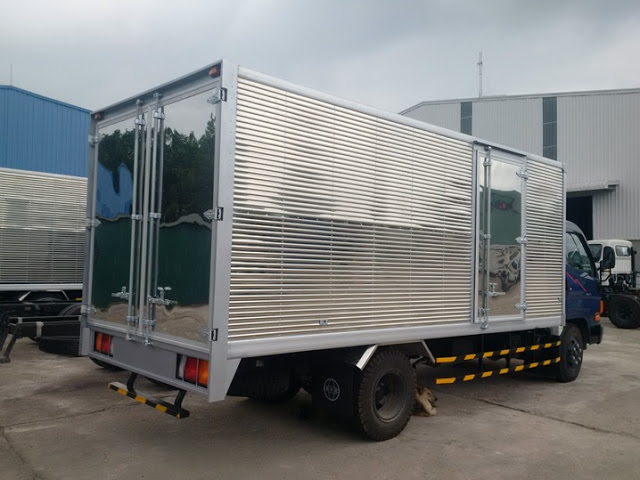 Xe tải HD120s Đô thành thùng kín