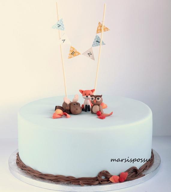 Eläinaiheinen kakku ristiäisiin
