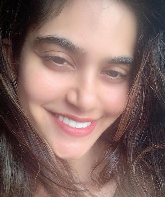 Indian Actress Aaditi Pohankar Photos