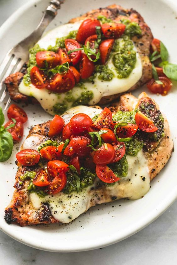 GRILLED CHICKEN MARGHERITA #recipes #dinnerrecipes #dinnermeals #dinnermealstocook #food #foodporn #healthy #yummy #instafood #foodie #delicious #dinner #breakfast #dessert #lunch #vegan #cake #eatclean #homemade #diet #healthyfood #cleaneating #foodstagram
