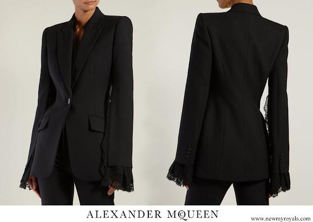 Duchess Maria Teresa wore Alexander McQueen Open Sleeves Viscose Crepe Jacket lace In Black