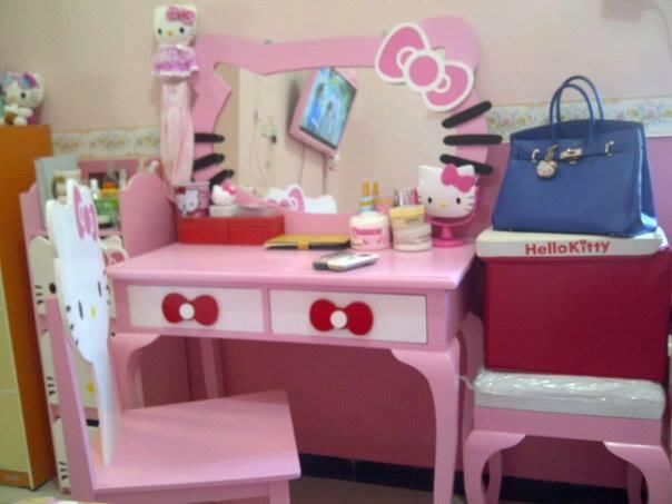 Contoh Model Meja Rias Hello Kitty