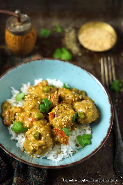 curry, maslo orzechowe, obiad, mleczko kokosowe, klopsiki, tajska, bernika, kulinarny pamietnik