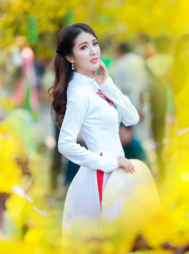 Linh Napie beautiful muse leaning on Spring Street in Saigon