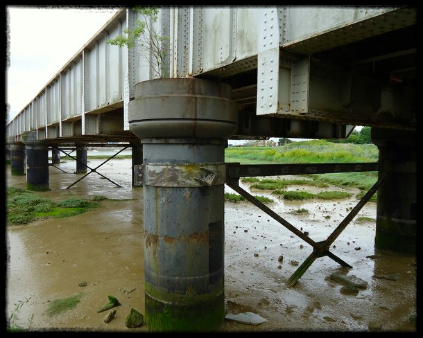 Shoreham's steel railway bridge