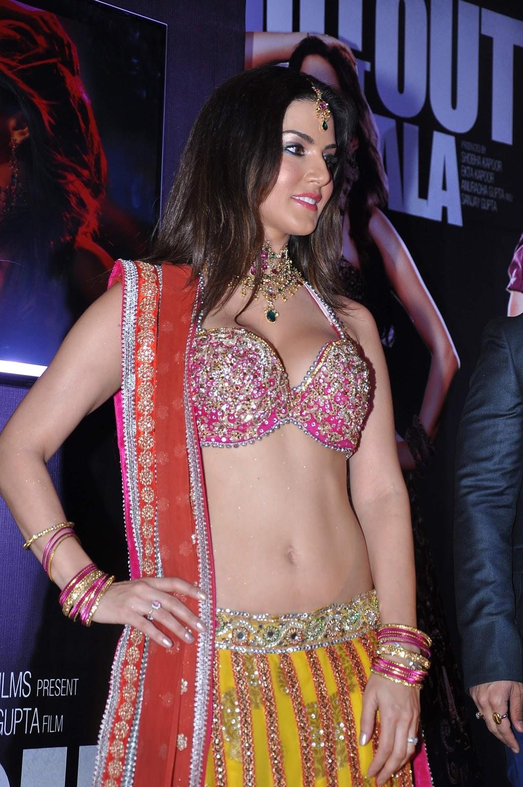 Sunny Leone Super Hot Sexy