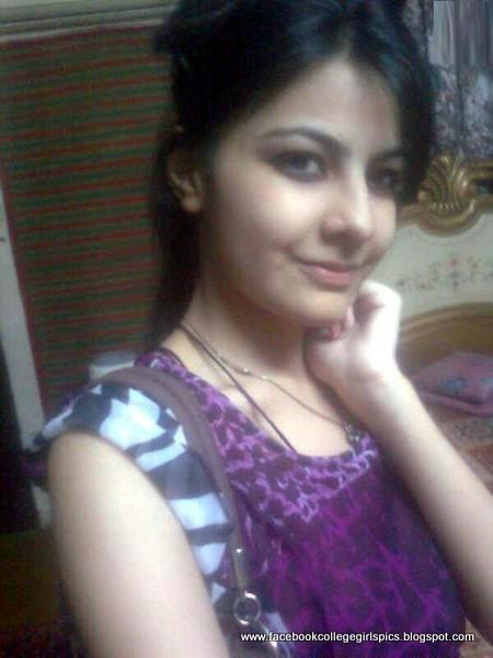 American-Pakistani Facebook Beautiful College Girls Photos -8873