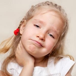 Biểu hiện của viêm họng cấp ở trẻ