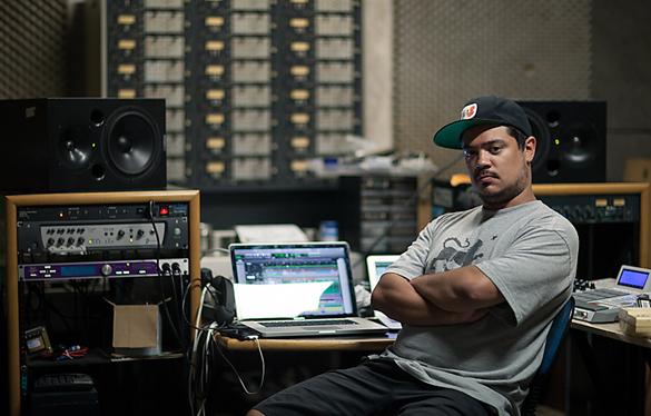 O produtor Daniel Ganjaman diz que pretende lançar um album solo ou colaborativo