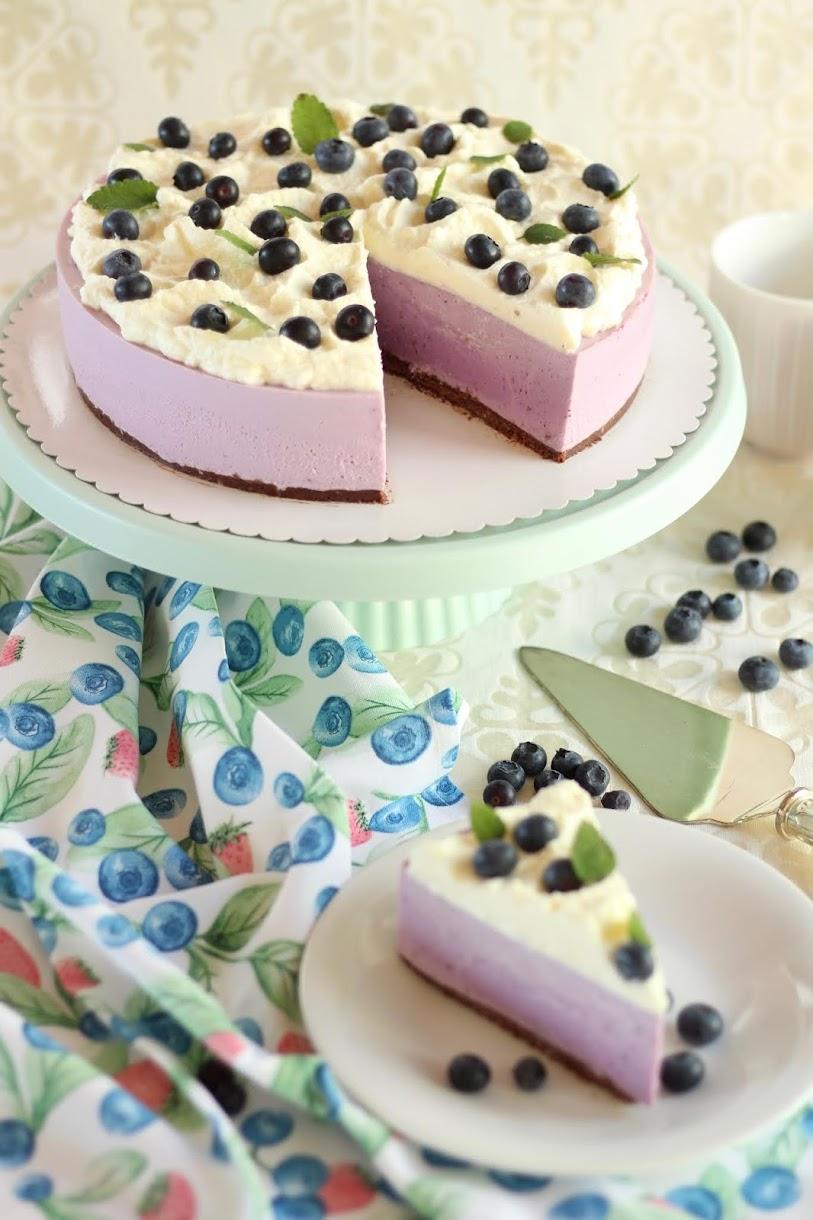 Sommerliche No Bake Blaubeertorte mit Quark-Joghurt-Creme und Sahne | Rezept und Video von Sugarprincess