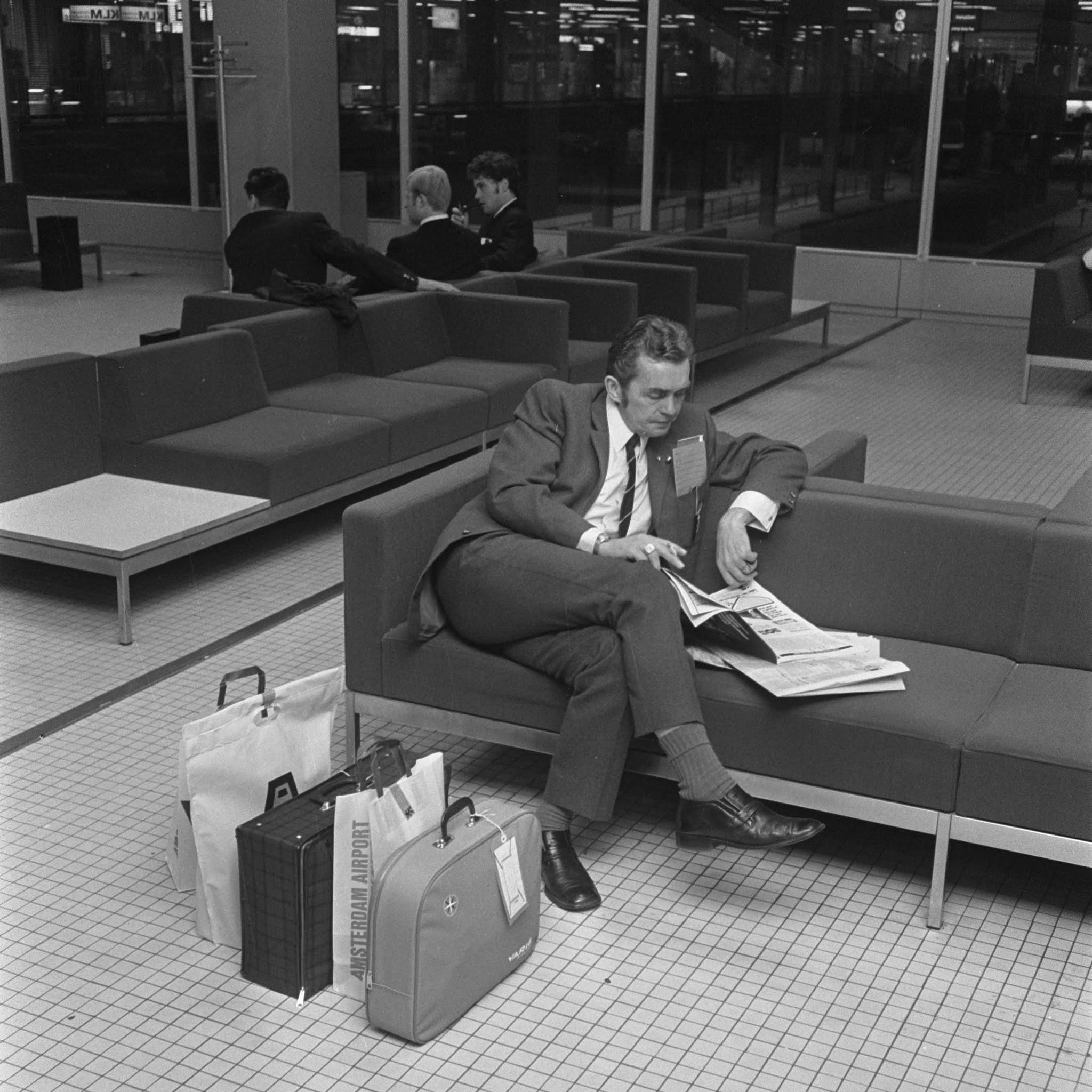 Ernst Happel op Schiphol (1970)