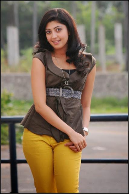 Pranitha sexy images