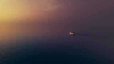 HD boat wallpaper in the infinite ocean