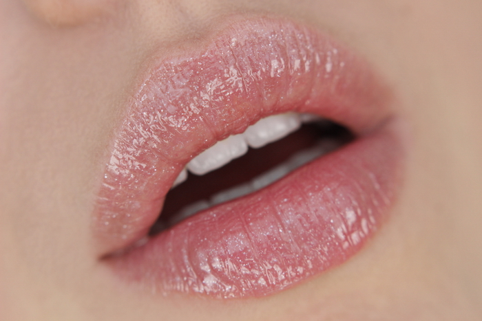 Manhattan Oh my Gloss Nu Nude 001